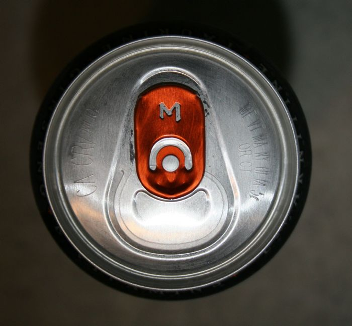 "Monster Energy: ""M"" pull-tab"