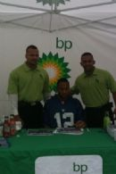 New Leaf Sales Reps, Miguel & Audy, with NY Giant's Kevin Smith
