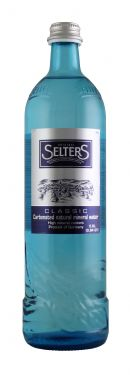 Original Selters Carbonated Natural Mineral Water: Selters ClassicGlass Front